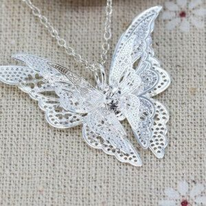 ❤️ NEW Dainty Necklace Lacey Butterfly Silvertone